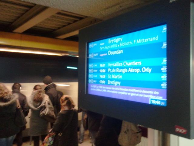 Un nouveau syst me d affichage des trains sur les quais des gares - Transilien prochain train ...
