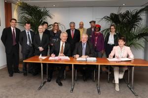 Signature du contrat SNCF-STIF 030512