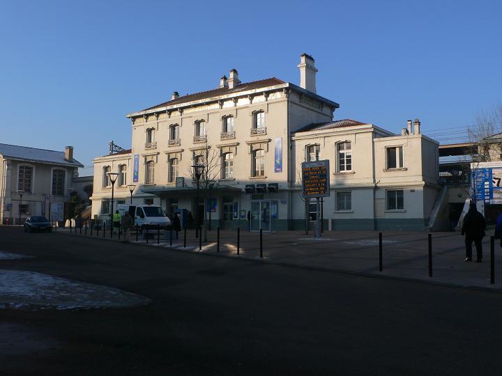 Gare de br tigny horaires histoire et informations pratiques for Garage de la gare bretigny