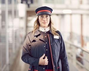 Portrait d'une agent portant une parka.