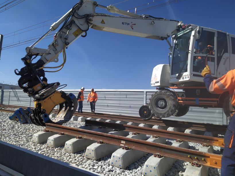 chantier mise en place des rails
